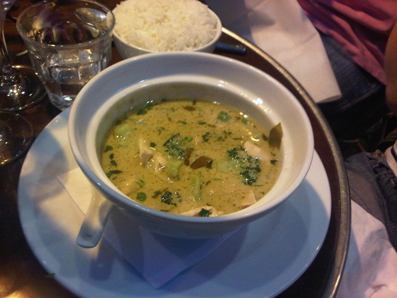 Sawan restaurant tha paris 10 me france koko soko - Cuisine thai poulet curry vert ...