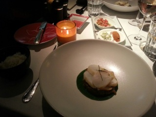 Otak-Otak : papillote de cabillaud au tamarin et curcuma accompagné de riz nasi lemak - Restaurant La Bauhinia