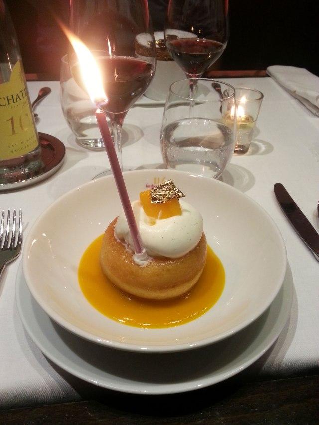 Dessert : Baba au vieux rhum brun, crème fouettée légèrement vanillée